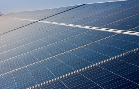 日照の多い地域の太陽光発電